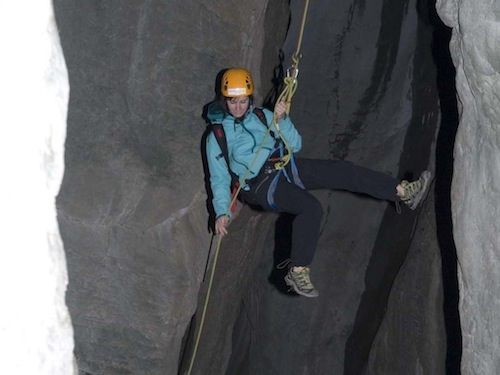 Klettergurt Abseilen : Klettern ardèche abseilen in der schlucht canyon besorgues