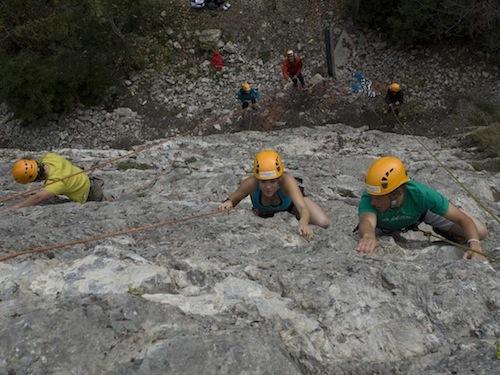Kletterausrüstung In Der Nähe : Klettern für gruppen schulen alpinschule adelboden